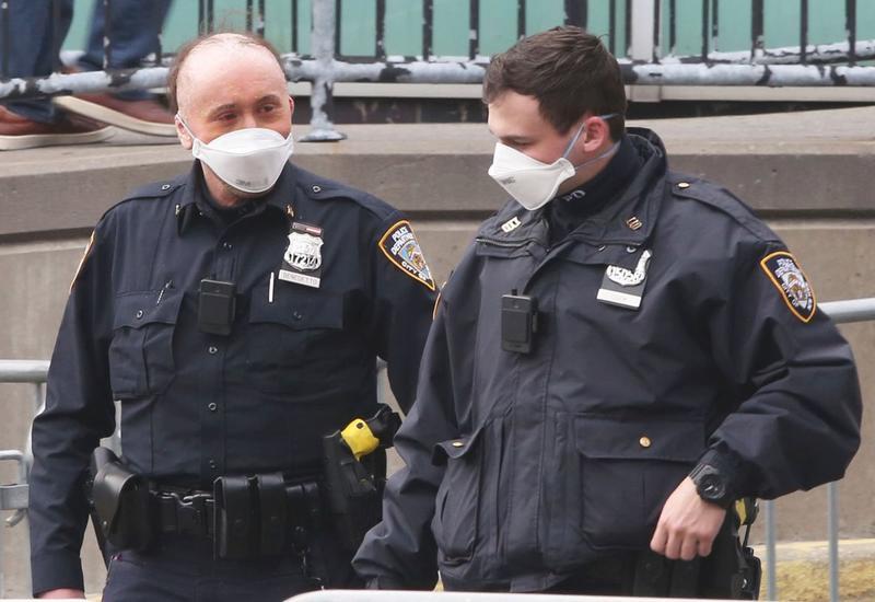 В полиции Нью-Йорка более тысячи сотрудников заразились коронавирусом