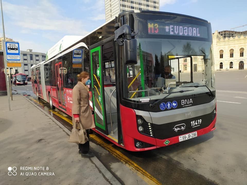 В Баку на экспресс-маршруте М3 работают 18-метровые автобусы