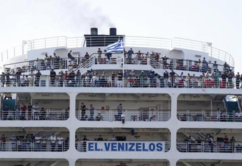 На греческом круизном лайнере выявлено 20 случаев заражения коронавирусом