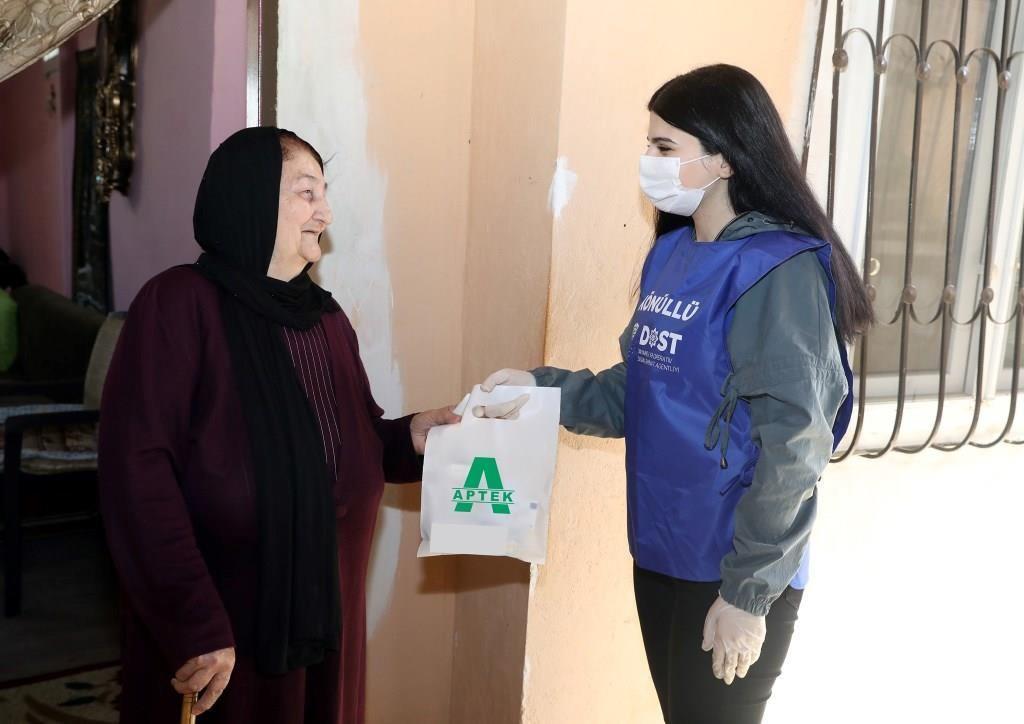 В Азербайджане число обеспеченных социальными услугами на дому одиноких пожилых людей достигло 12 тысяч