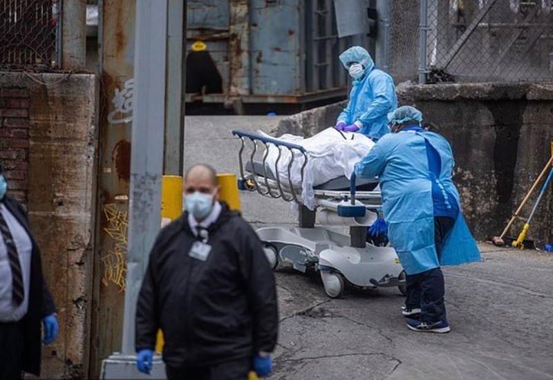 Погибших от коронавируса собирают в морозильники: жуткие кадры из Нью-Йорка