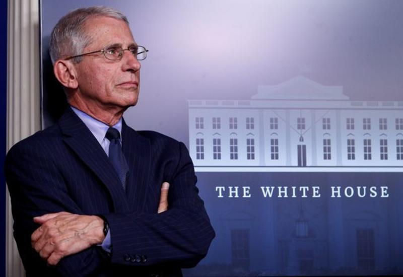 Главному инфекционисту США предоставили охрану из-за угроз в его адрес
