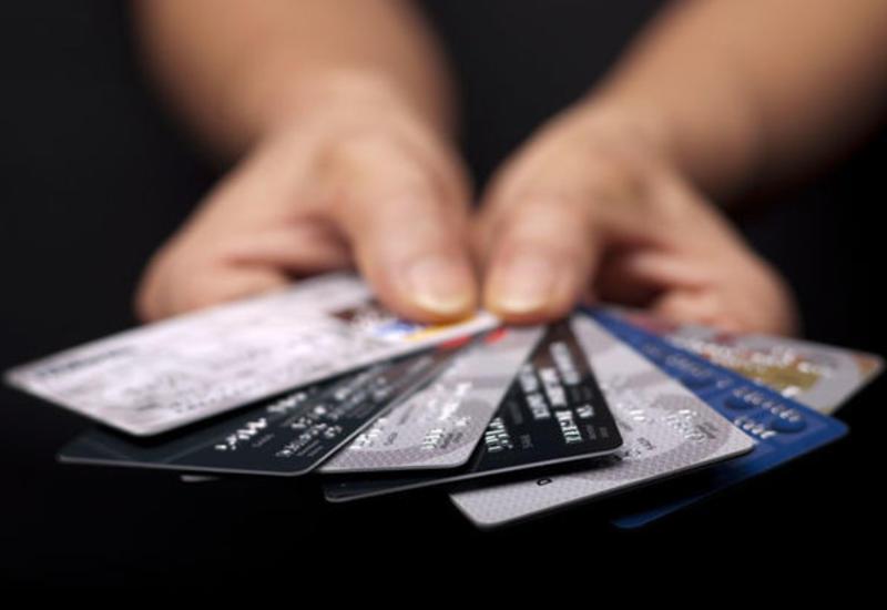 Срок действия всех просроченных платежных карт продлевается