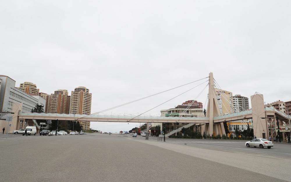 Prezident İlham Əliyev Bakı-Sumqayıt yolunun genişləndirilməsi çərçivəsində görülən işlərlə tanış olub, Moskva prospekti ilə 20 Yanvar küçəsinin kəsişməsindəki piyada keçidinin açılışında da iştirak edib