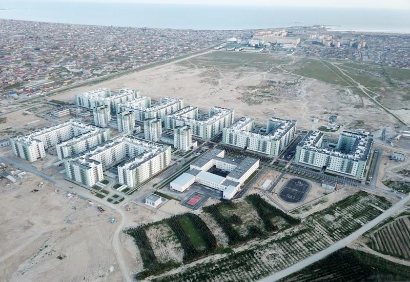 Азербайджанские военнослужащие получили сотни квартир