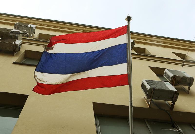 Власти Таиланда закрывают гостиницы и запрещают выход на улицу без масок