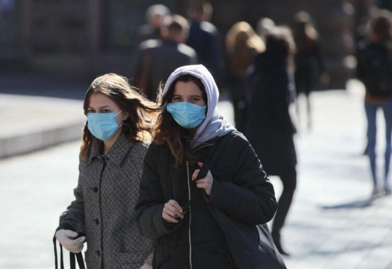 В Великобритании число умерших из-за коронавируса выросло за сутки более чем на 700