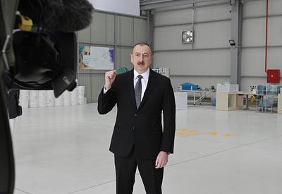 Президент Ильхам Алиев: Как мы демонстрируем единство и солидарность, точно так же должны проявить ответственность и быть дисциплинированными