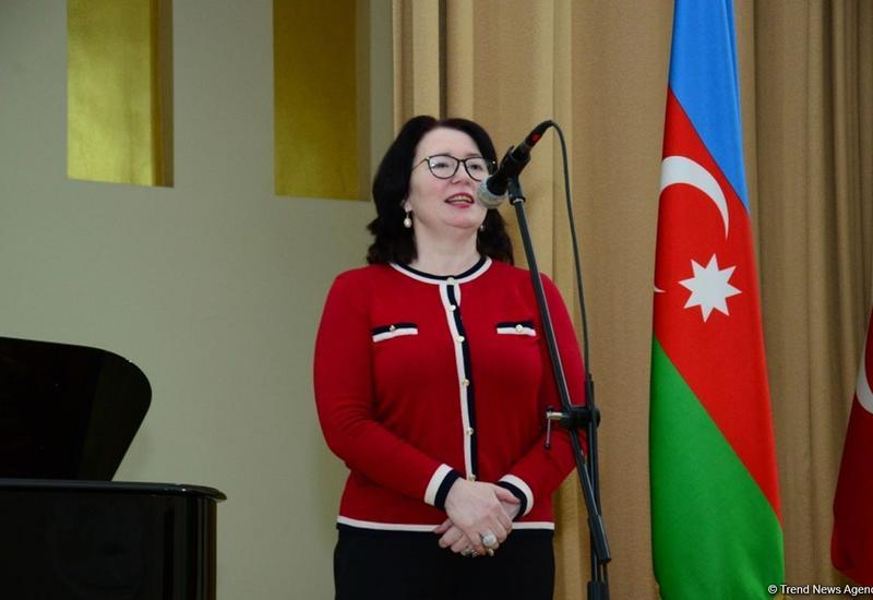 Проректор Бакинской музыкальной академии: В ситуации с коронавирусом правительство Азербайджана работает на опережение