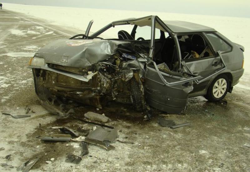 В Баку произошло тяжелое ДТП, есть погибшие