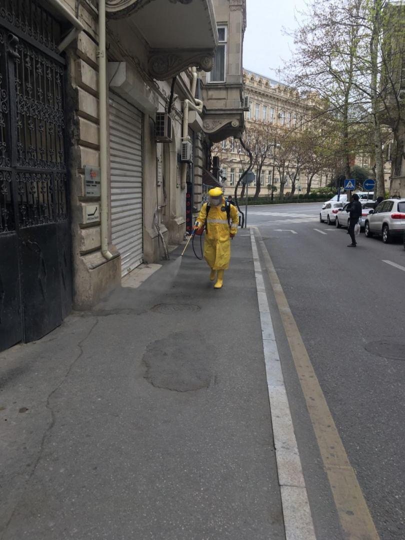В Сабаильском районе Баку продолжаются работы по дезинфекции