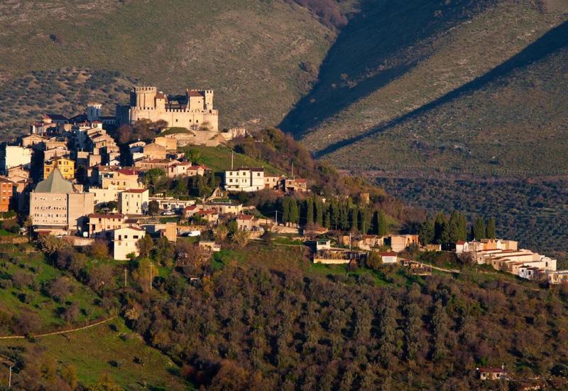 Итальянскую деревню превратили в лабораторию по изучению коронавируса