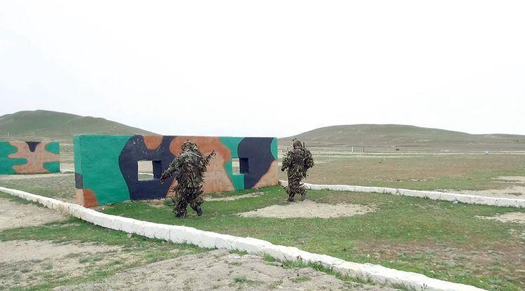 В азербайджанской армии проверяется подготовка снайперов