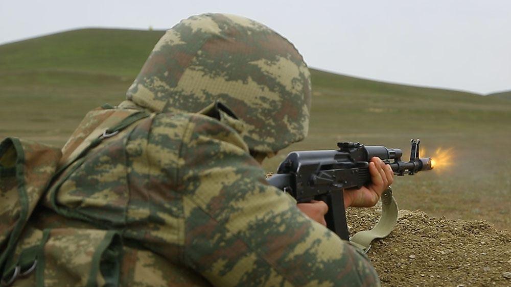 Азербайджанская армия отрабатывает огневую подготовку