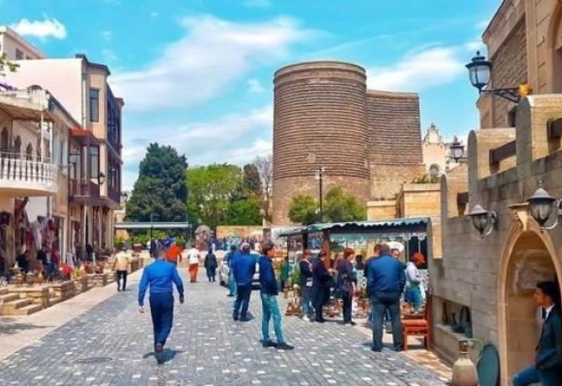 За минувший год инвестиции в сектор туризма и общепита в Азербайджане составили около 60 млн манатов