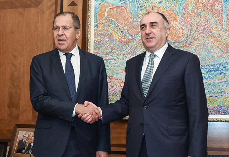 Эльмар Мамедъяров и Сергей Лавров обсудили возвращение азербайджанцев из РФ