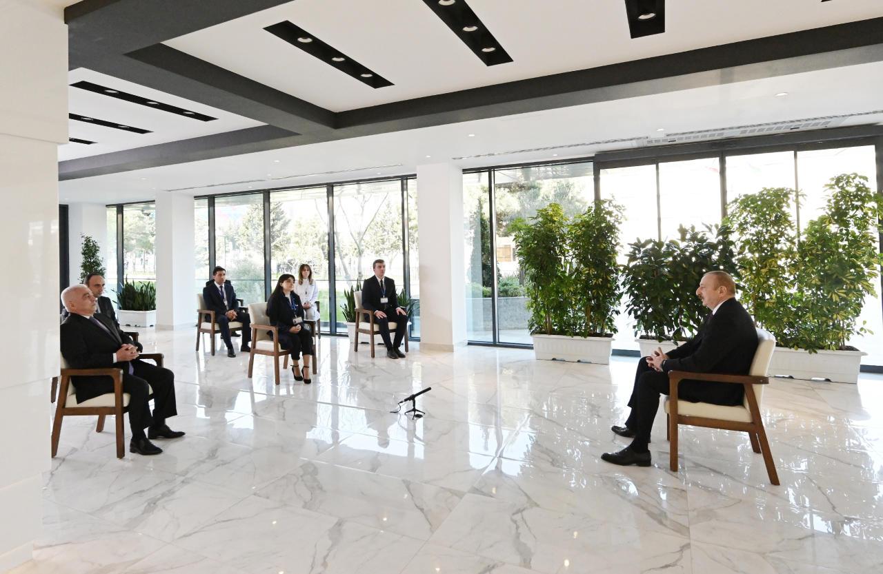 """Prezident İlham Əliyev """"Azərenerji"""" ASC-nin yenidən qurulan Baş idarəetmə, elm, tədris və laboratoriya kompleksinin açılışında iştirak edib"""