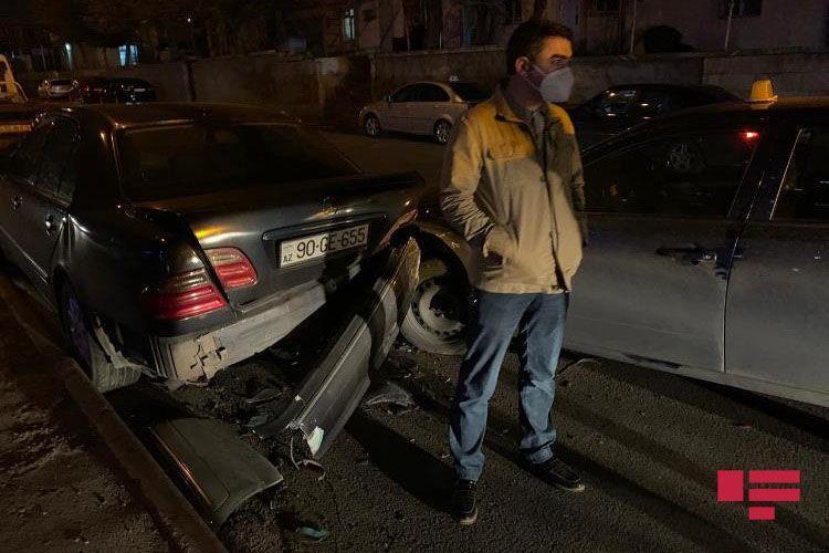 В Баку произошла цепная авария