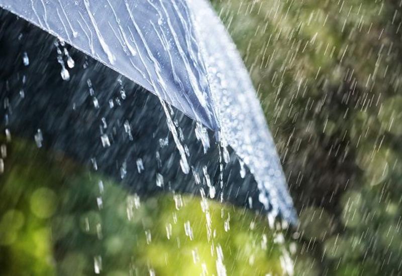 Завтра в Баку ожидается дождливая и ветреная погода