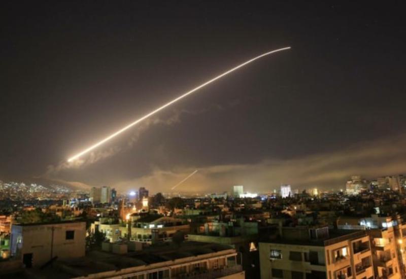 Ракетный удар по Дамаску засняли на видео