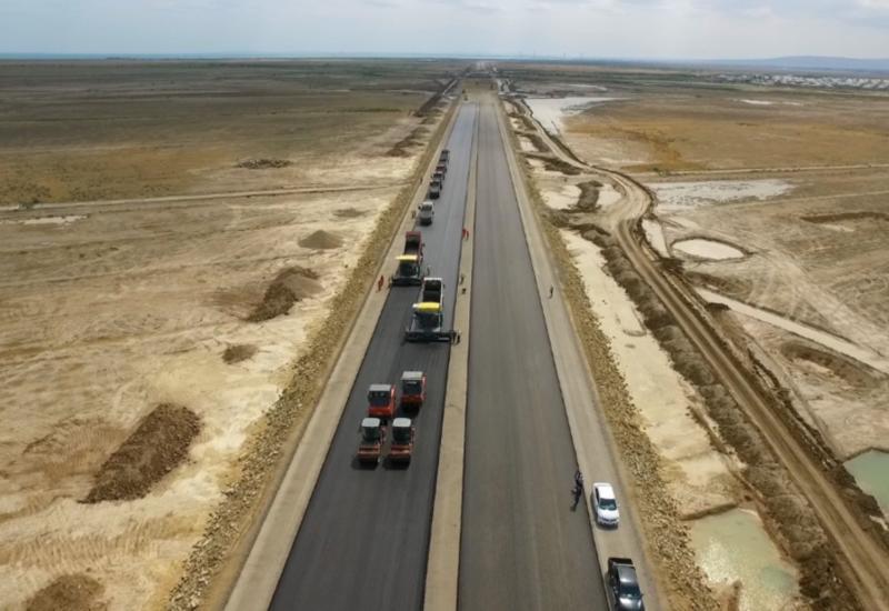 Bakı-Rusiya yeni avtomobil yolunun 100 km-lik hissəsinin tikintisi yaya qədər bitəcək