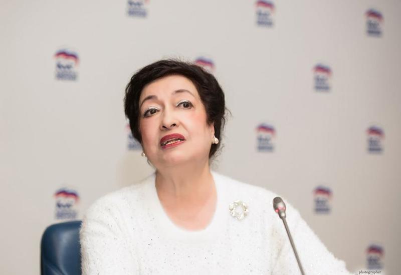 Заслуги азербайджанской писательницы отмечены Международным элитарным союзом народной дипломатии