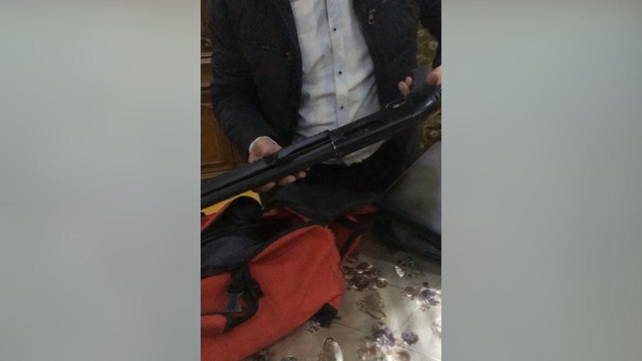 Bakıda narkotik vasitələrin satışı ilə məşğul olan silahlı şəxs saxlanılıb
