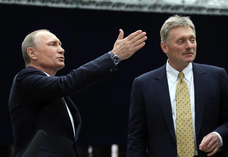 Песков заявил, что с ограничениями придется жить еще какое-то время всем, включая Путина