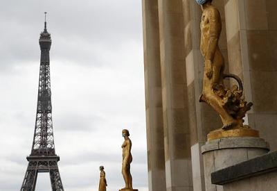 Последние, кто может говорить о террористах и наемниках  - о сегодняшней Франции и двойных стандартах
