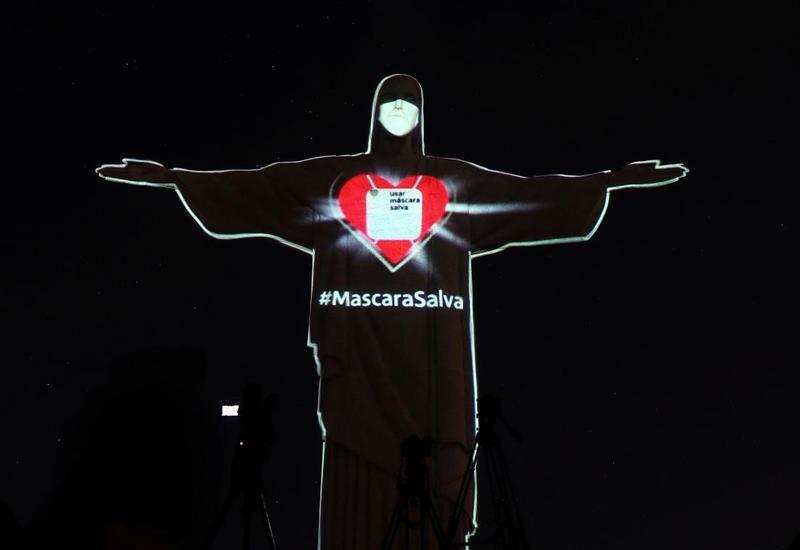 Braziliyada İsa peyğəmbərin heykəlinə maska taxdılar