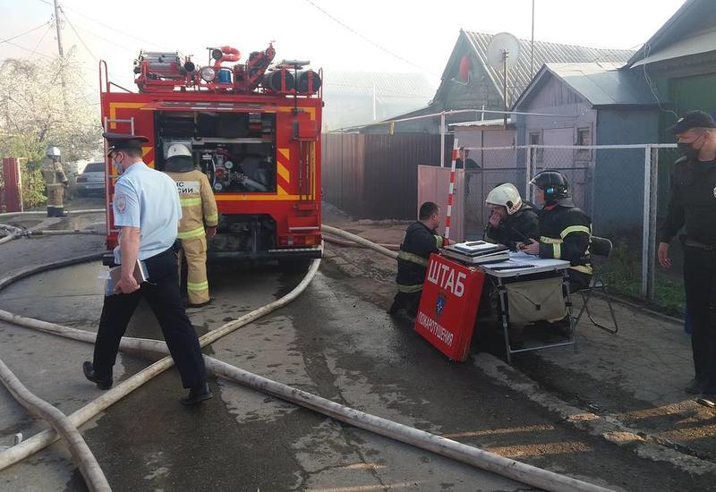 В России произошел крупный пожар, горят шесть частных домов