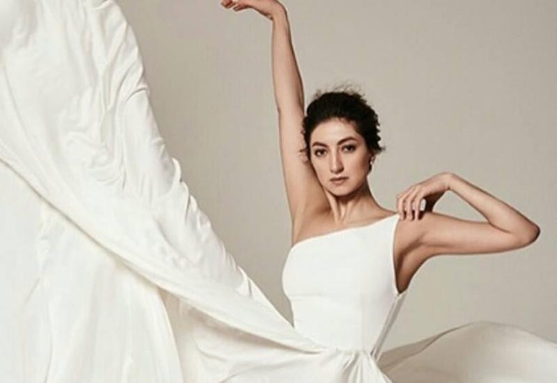 Балерина Чинара Ализаде из Польши обратилась к соотечественникам