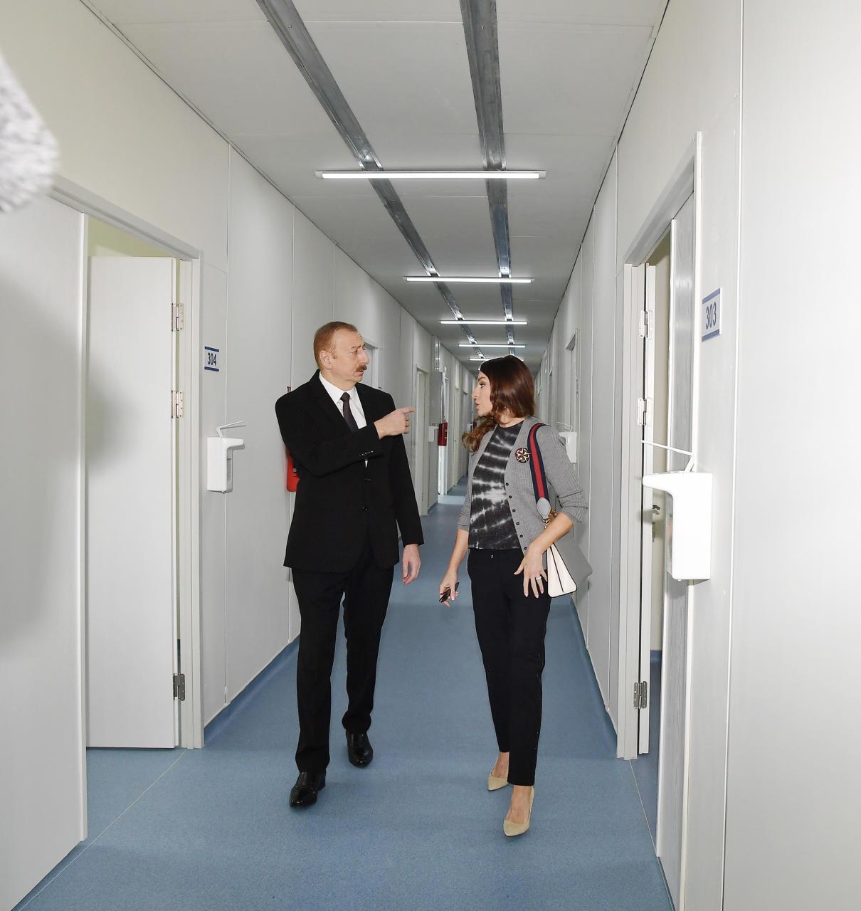 Prezident İlham Əliyev və birinci xanım Mehriban Əliyeva Bakıda modul tipli ilk xəstəxana kompleksinin açılışında iştirak ediblər