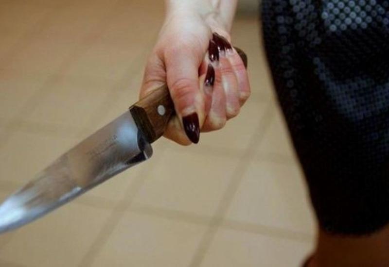 Bakıda qadın kişini bıçaqladı
