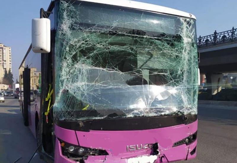 Sumqayıtda dəhşətli avtobus qəzası: 14 yaralı