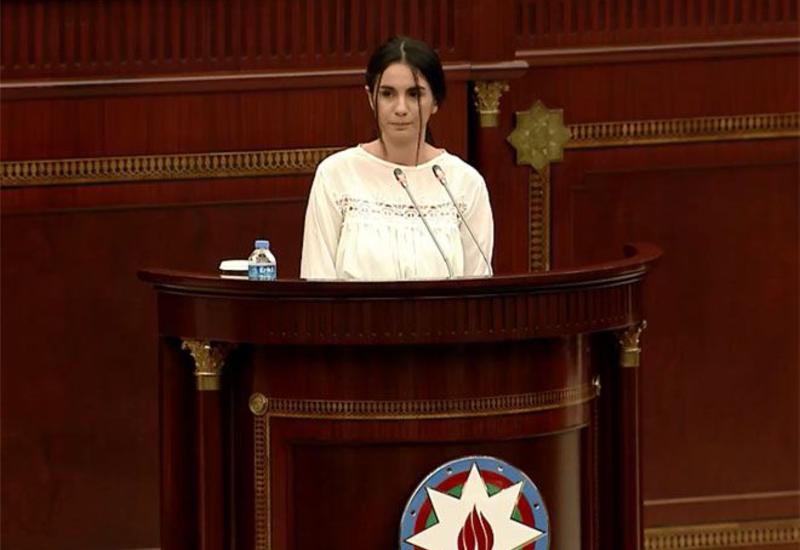Şuşanın işğalının 28-ci ildönümü ilə bağlı şuşalı qız Milli Məclisdə çıxış edib