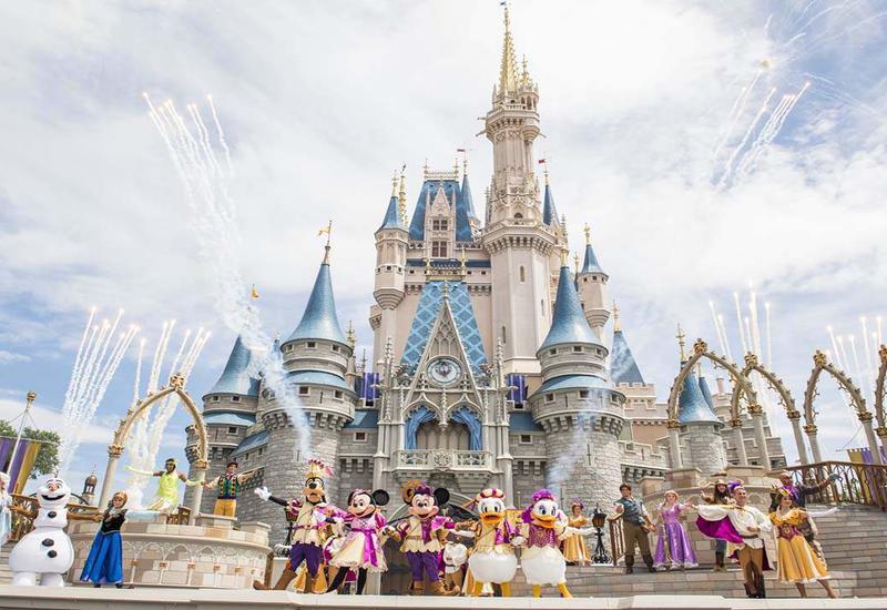 """""""Disney"""" parkı tədricən açılır"""