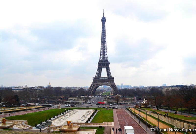 В Париже произошел сильный хлопок