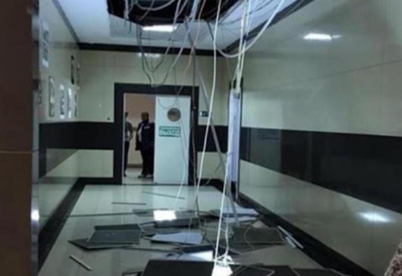В крупном торговом центре в России рухнул потолок