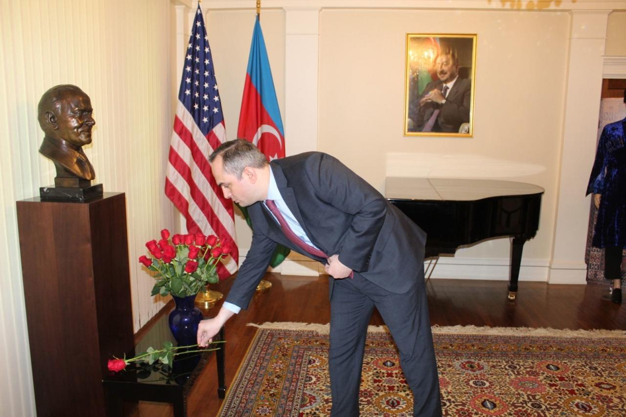 Vaşinqtonda Ümummilli lider Heydər Əliyevin anadan olmasının ildönümü qeyd edilib