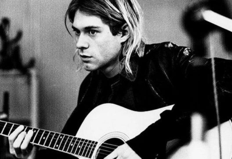 Kurt Kobeynin gitarası hərraca çıxarılıb - başlanğıc qiymət 1 milyon dollar