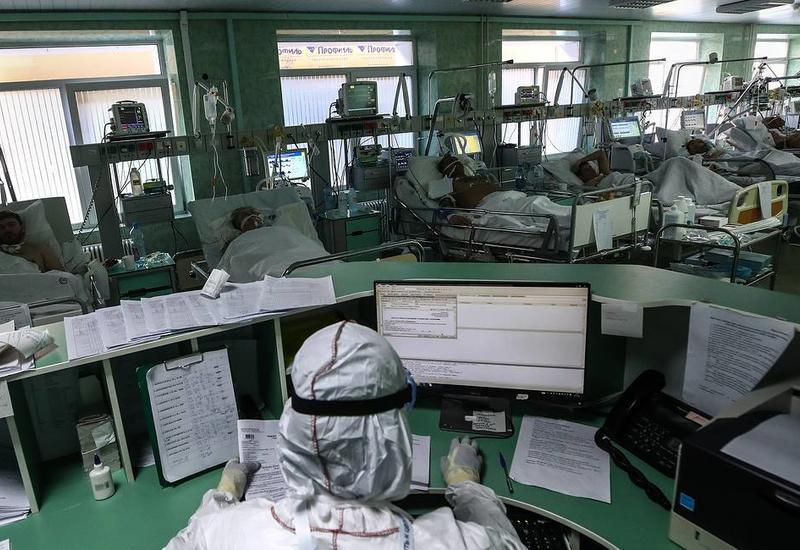 В России за сутки на 10 598 заразившихся коронавирусом
