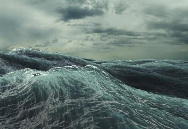 Высота волн на Каспии достигла 4,5 м