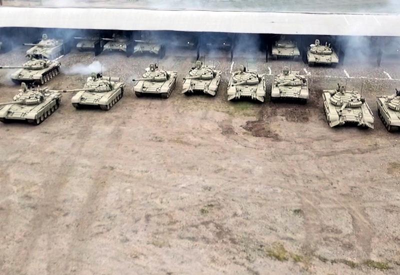 К учениям ВС Азербайджана привлечены танковые подразделения