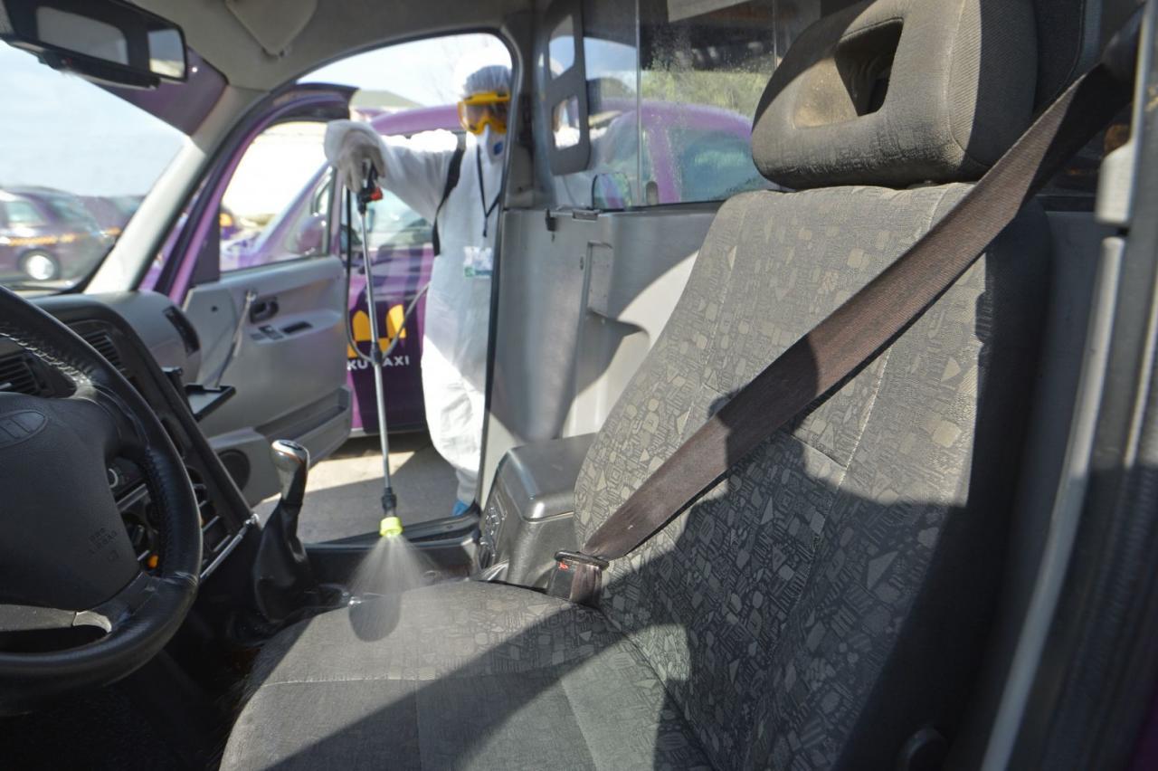В бакинских такси установлены дезинфекторы