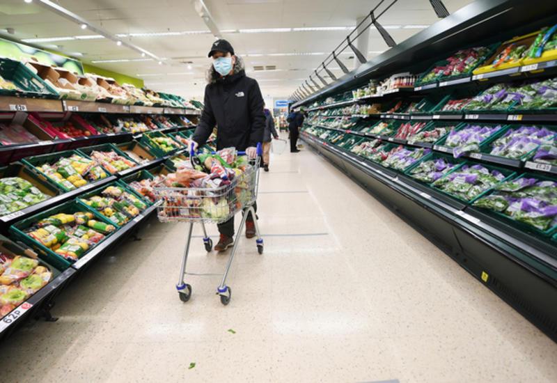 Розничные продажи в Великобритании снизились рекордными темпами