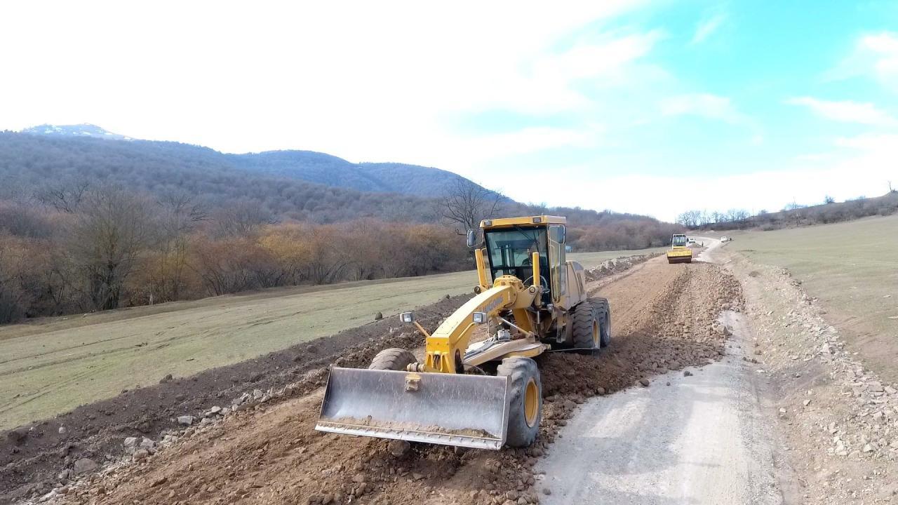 Началась реконструкция дороги в одном из районов Азербайджана