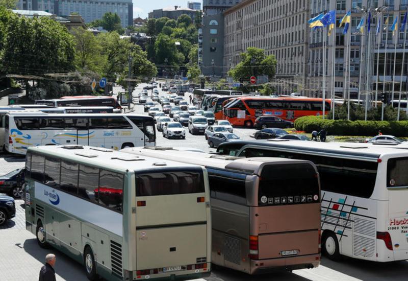 В Киеве возобновил работу наземный общественный транспорт