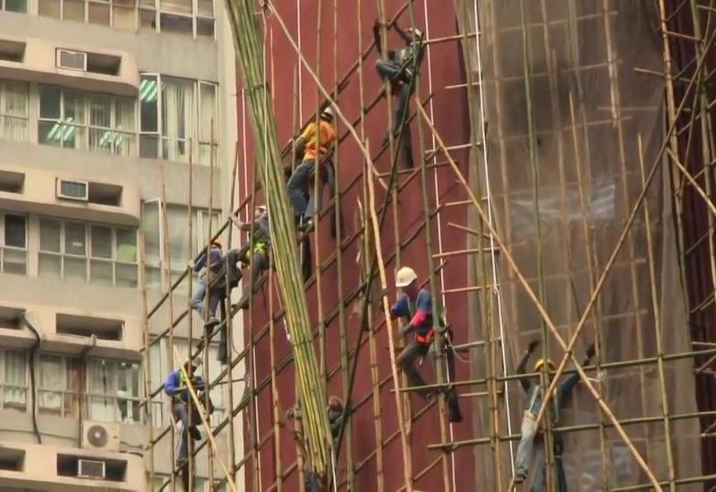 В Китае при обрушении строительных лесов погибли восемь человек