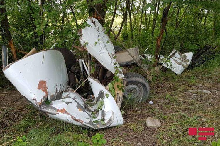Страшное ДТП в Агдаше, автомобиль разорвало пополам